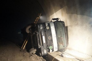 LKW-Bergung Citytunnel-Baustelle (Bild: Andrea Mandl)