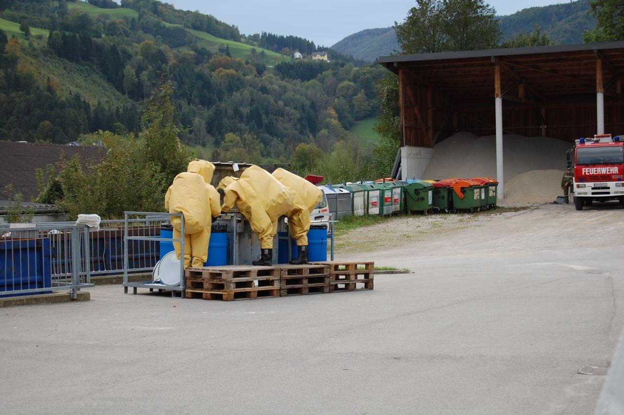 Schadstoffalarm im Altstoffsammelzentrum