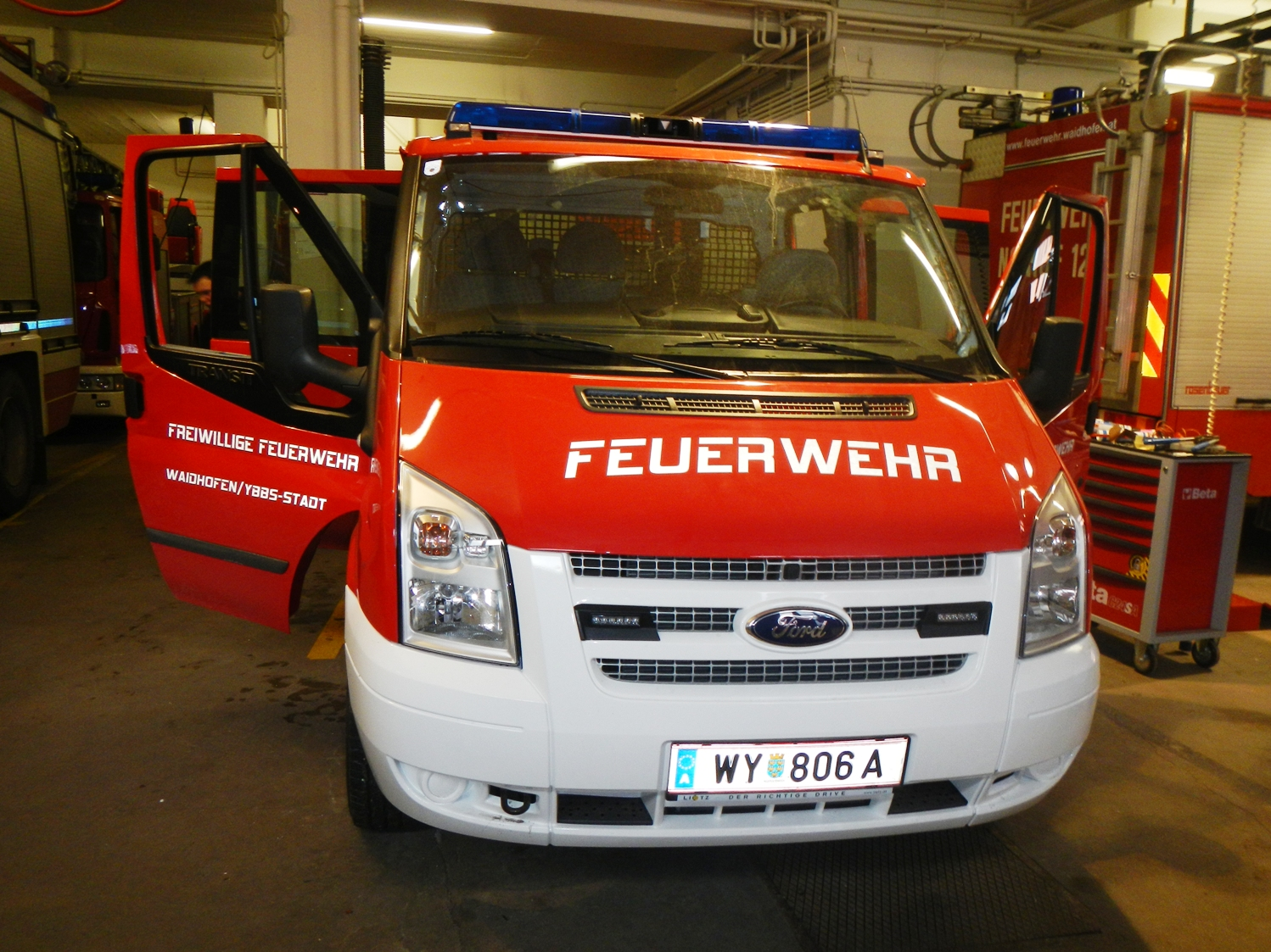 698787153 together with Ford Transit Nugget Mit Neuem Innenraum 1206443 moreover 6156338974 together with Ahk Ford 1 I206130805 as well Mercedes Sprinter. on ford transit